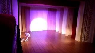 Танец под песню MONATIK - Vitamin D. dance. Начало в стиле 90 гг..