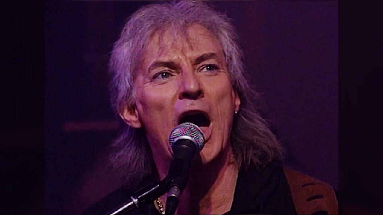 Hugues Aufray -  Santiano (Live)
