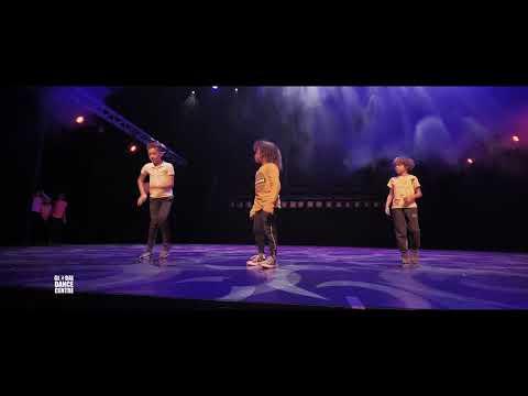 Selina 7-11 (zaterdaggroep hiphop beginners) - GDC Amsterdam - Nieuwjaarsshow