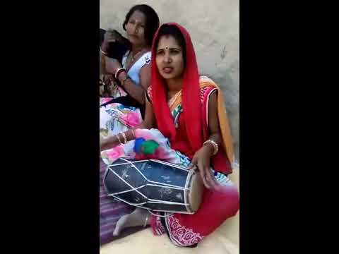 Road side Girls Singar||NEW Song||Hindi SONG/Sweet voice/talent on road/