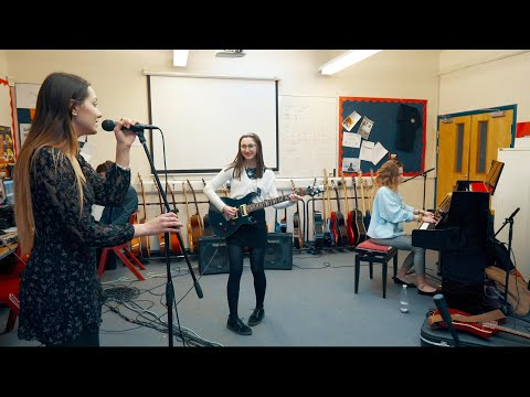 She's On My Mind - JP Cooper (Waddesdon Performing Arts Cover) | Classroom Session