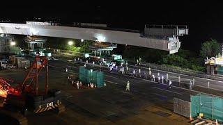 375トンの橋桁そろり架設 道横断自動車道小樽JCT (2017/07/19)北海道新聞