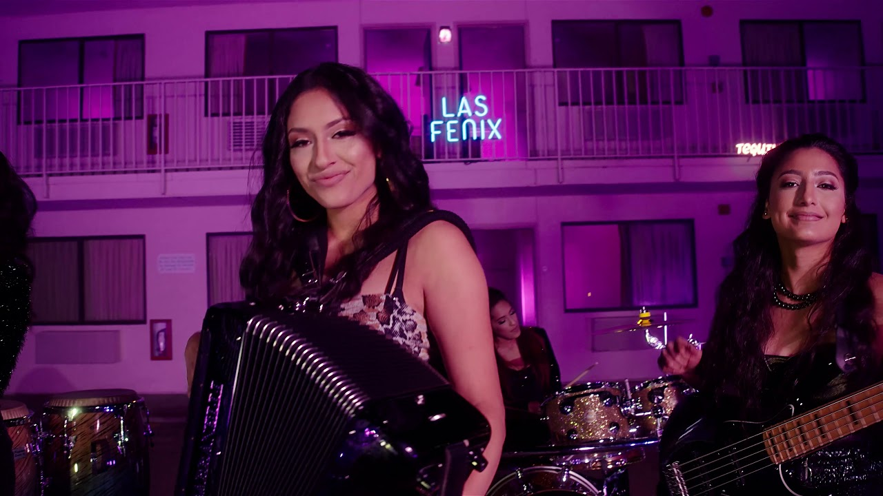 "Las Fenix - ""Un Traguito de Tequila"" - Video Oficial"