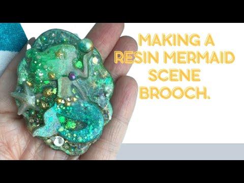(Resin Art) Making a resin mermaid scene brooch.