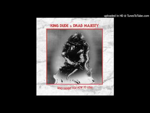 Drab Majesty (feat. King Dude) - Only A Mime