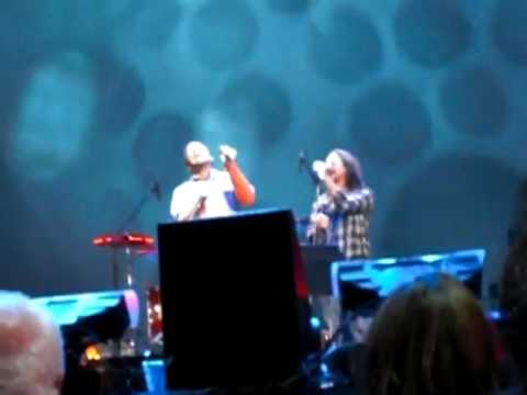Under Pressure- Eddie Vedder & Ben Harper benefit concert at radio city