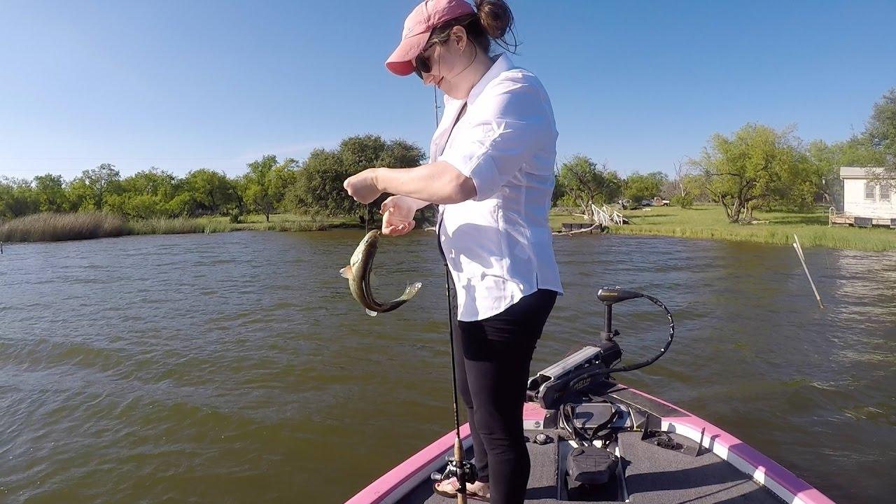 Bass fishing possum kingdom lake youtube for Bass fishing youtube