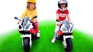Макс с Катей и их мотоциклы