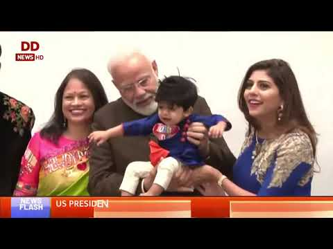 Prime Minister Narendra Modi meets with little kids of Indian Community in Houston