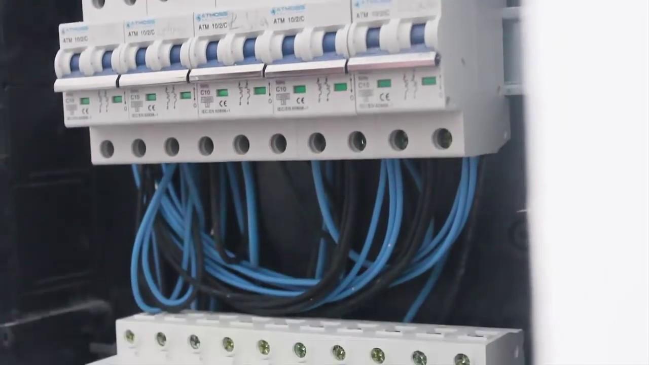 Montaje de cuadro el ctrico puentear magnetotermicos for Caja cuadro electrico