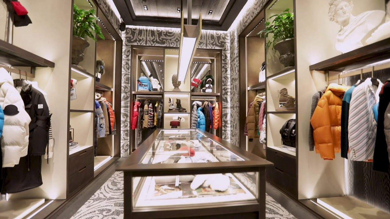 Moncler new store opening montenapoleone milano boutique for Showroom moncler milano