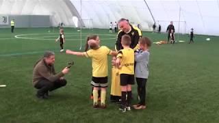 CZ6-Fc Yellow Junior z Kudełkiem w Legnicy pod balonem - Juventus Legnica - VI meczyk -Decathlon Cup