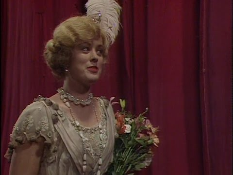 Blackadder ~ Season 04 - E 03 - Major Star
