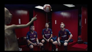 BARÇA & AUDI | What does an alien do in the dressing room?