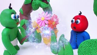 Green Baby Play With MAGIC WAND - Stop Motion Cartoons For Kids