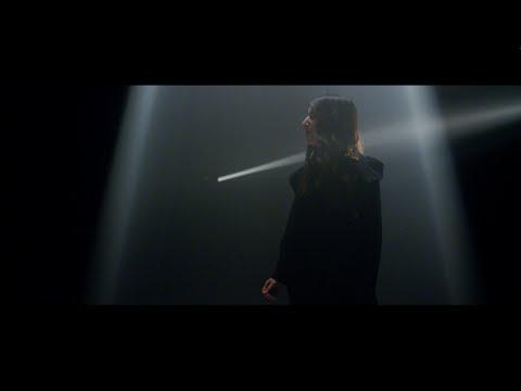 Amanda Merdzan - Glow (Official Music Video)