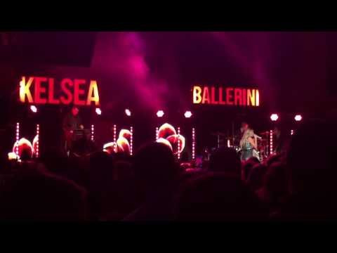 "Kelsea Ballerini ""Roses"" First Time Tour"
