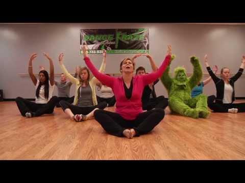 Упражнения йоги дома для новичков - Видео