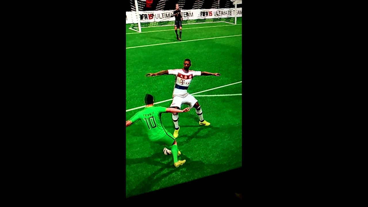 La cadera de Boateng - FIFA 15-
