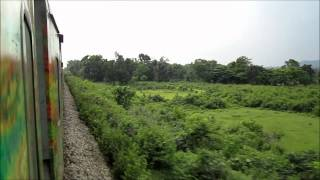 Howrah New Delhi Duronto Express Charges Towards Dhanbad Through Pradhan Khanta