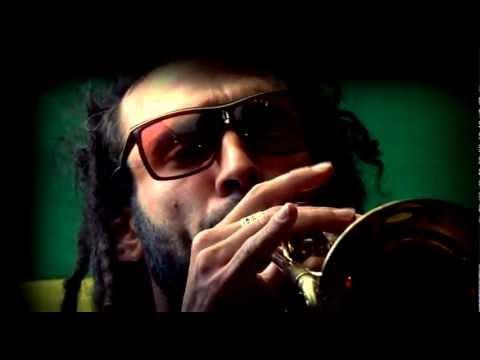 Snoop Lion la la la (rasta power cover)