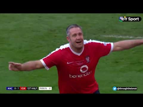 Buildbase FA Trophy Final 2017: Macclesfield Town 2-3 York City