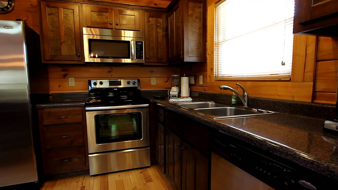 Lookout Bear 3 Bedroom Pigeon Forge Tn Cabin With Swimming Pool Cabins Usa 2016