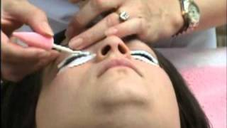 The Beauty Academy - eyelash perming demo (part one).mpg Thumbnail