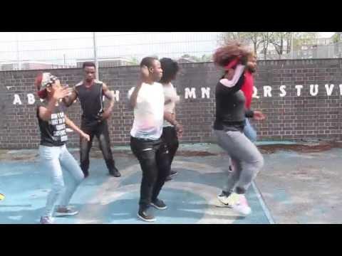 Umoja Show Dancing Fally Ipupa sexy Dance)
