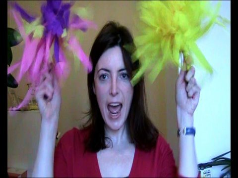 how to make cheerleading pom poms with streamers