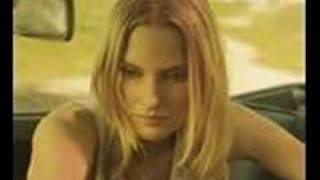 "Aimee Mann ""That's Just What You Are"" Acoustic"