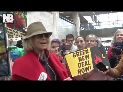 Garret Lewis - Jane Fonda Stops Buying Clothes To Fight Climate Change But Will Still Fly