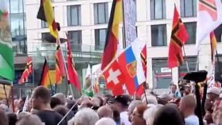 PEGIDA-Partei: Lutz Bachmann verkündet die Gründung der FDDV