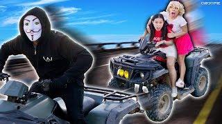 ชิคกี้พาย ไล่จับคนใส่หน้ากาก บนรถ ATV!!!