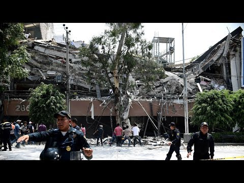 Terrifying earthquake collapses buildings in Mexico City, hundreds dead HD