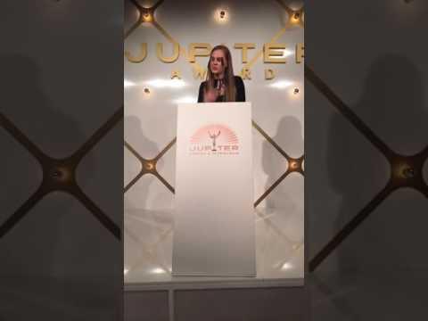 Jupiter Award 2017 für Jannis Niewöhner Smaragdgrün