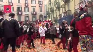 Италия: 500 тонн апельсинов на уличные бои (новости)(, 2015-02-16T11:39:22.000Z)