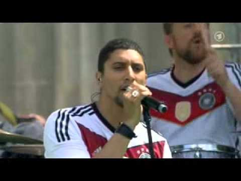 """WELTMEISTER 2014 [4/8] - Andreas Bourani - """"Auf uns"""" LIVE"""