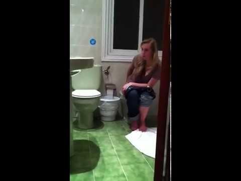 Скрытая камера подмывание девушек на биде