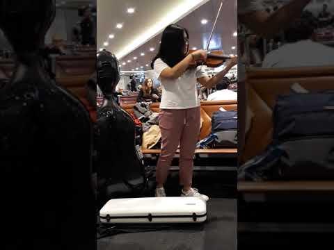 New videos in doha Qatar air port music 2018