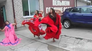 Красивый цыганский танец!!