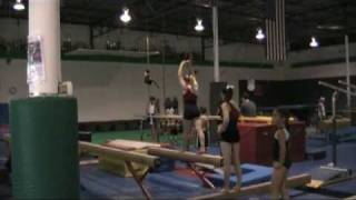 Makenzie Johnson:  front aerial 2 feet (training).mpg
