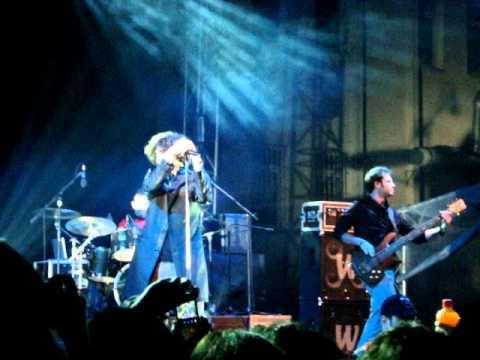 maNga - Tek Yön Seçtiğin Tüm Yollar (Marmara Üniversitesi Konseri 2011)