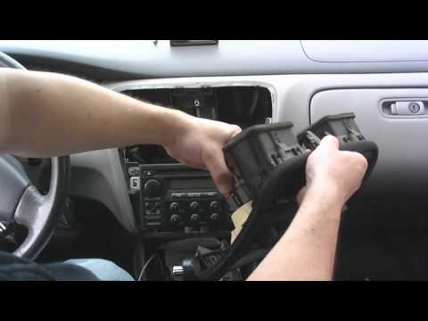 How to change a radio in a 2000 Honda Accord