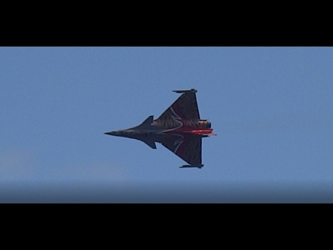 incredible stopping at air by french rafale