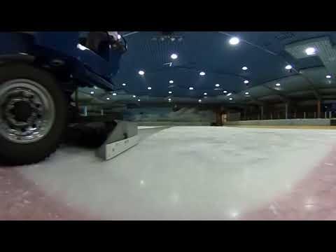 360-Grad-Video in der Eishalle Bergkamen mit Eismaschine