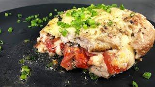 Сочная отбивная из свинины с помидорами и сыром