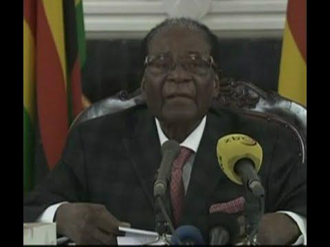 أخبار عربية وعالمية - موغابي يقبل التنحي عن السلطة وترقب لإلقائه خطابا  - نشر قبل 4 ساعة