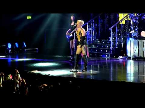 Pink - How Come You're Not Here Live in Leipzig 12.05.2013