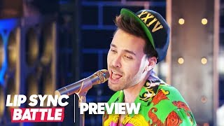 """Prince Royce Performs """"Versace on the Floor"""" by Bruno Mars 
